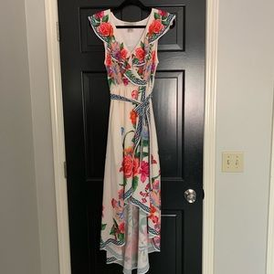 Flying Tomato Ivory Floral Dress Sz Medium